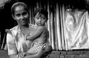 Woman and child in Sri Lanka